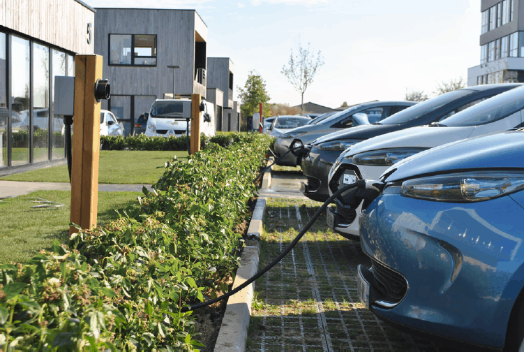 Towards electric mobility in France!