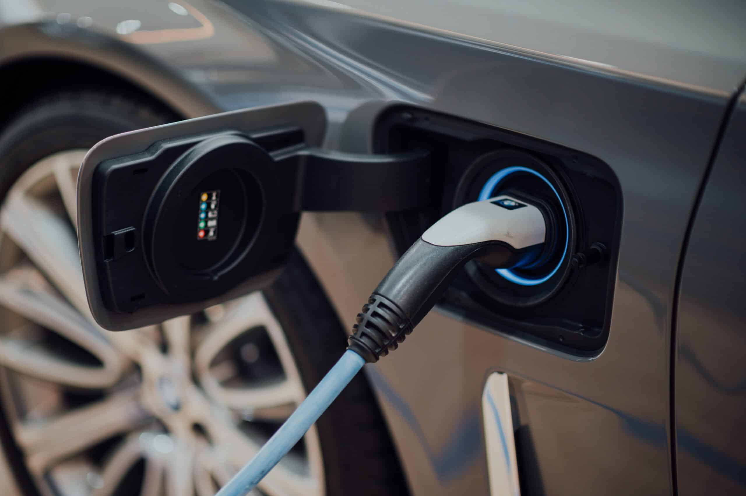 How to make a company fleet of electric vehicles profitable?
