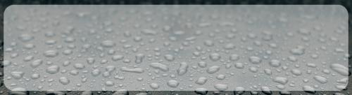 recharger sa voiture électrique sous la pluie